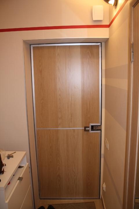 поставить входную дверь в квартиру дешево